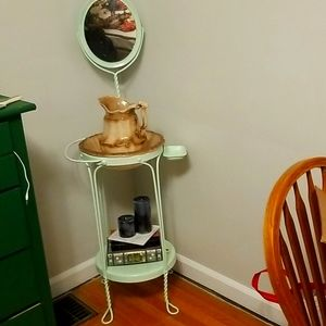 Vintage style wash basin, bowl, and pitcher.